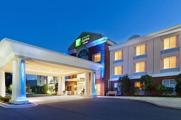 Holiday Inn Express Amp Suites Sylva