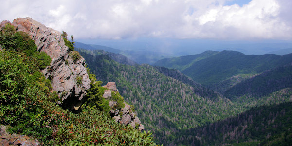 https://www.romanticasheville.com/sites/default/files/u13/Appalachian_trail_Great_Smoky_Mountains.jpg