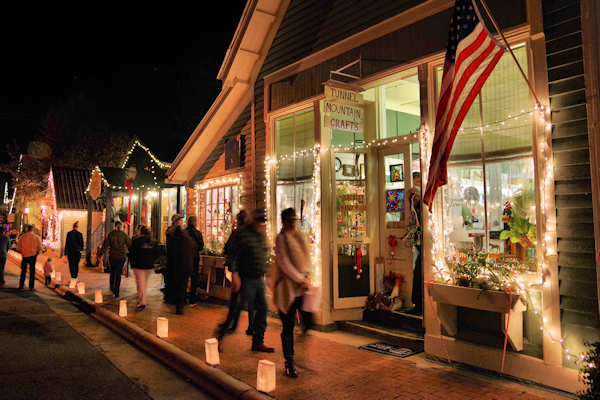 Christmas Towns.12 Christmas Towns Near Asheville 2018