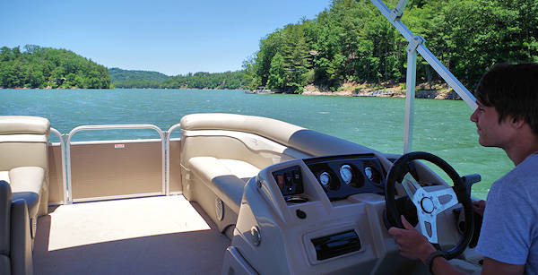 Pontoon Boat Rental Lake Glenville NC