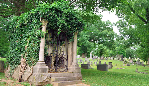 Historic Riverside Cemetery in Asheville