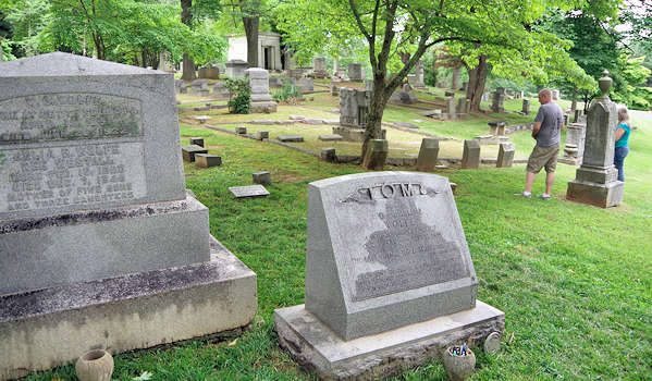 Riverside Cemetery, Thomas Wolfe Grave