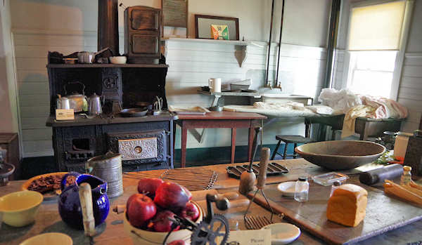 Thomas Wolfe Memorial, Asheville, Kitchen